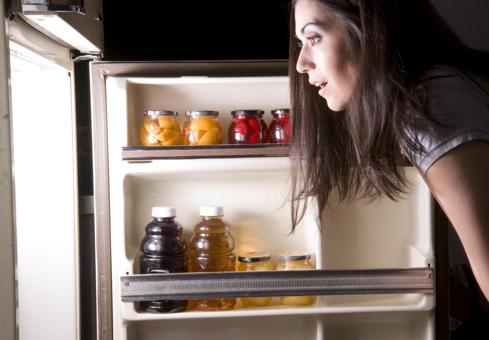 http://www.thegoodsleepexpert.com/wp-content/uploads/2013/10/iStock_000018988610Medium-fridge.jpg